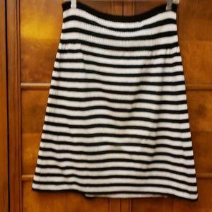 PERRY ELLIS Black/White Stripe Skirt Size M